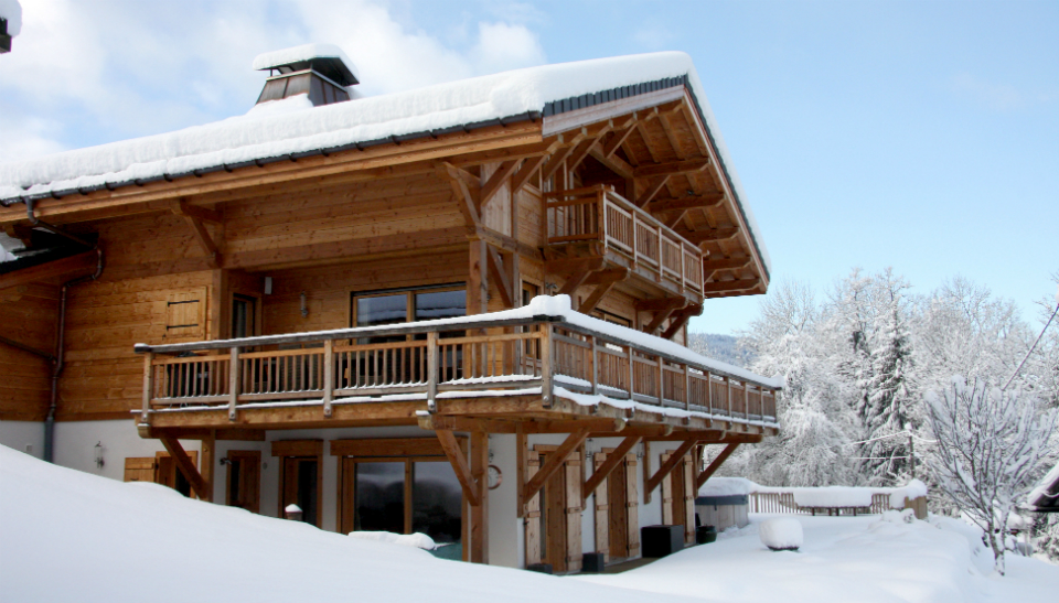 rear-of-chalet-apassion