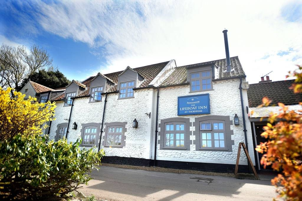 The Lifeboat Inn - Norfolk - Seafood pubs